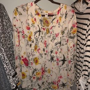 Old navy floral shirt